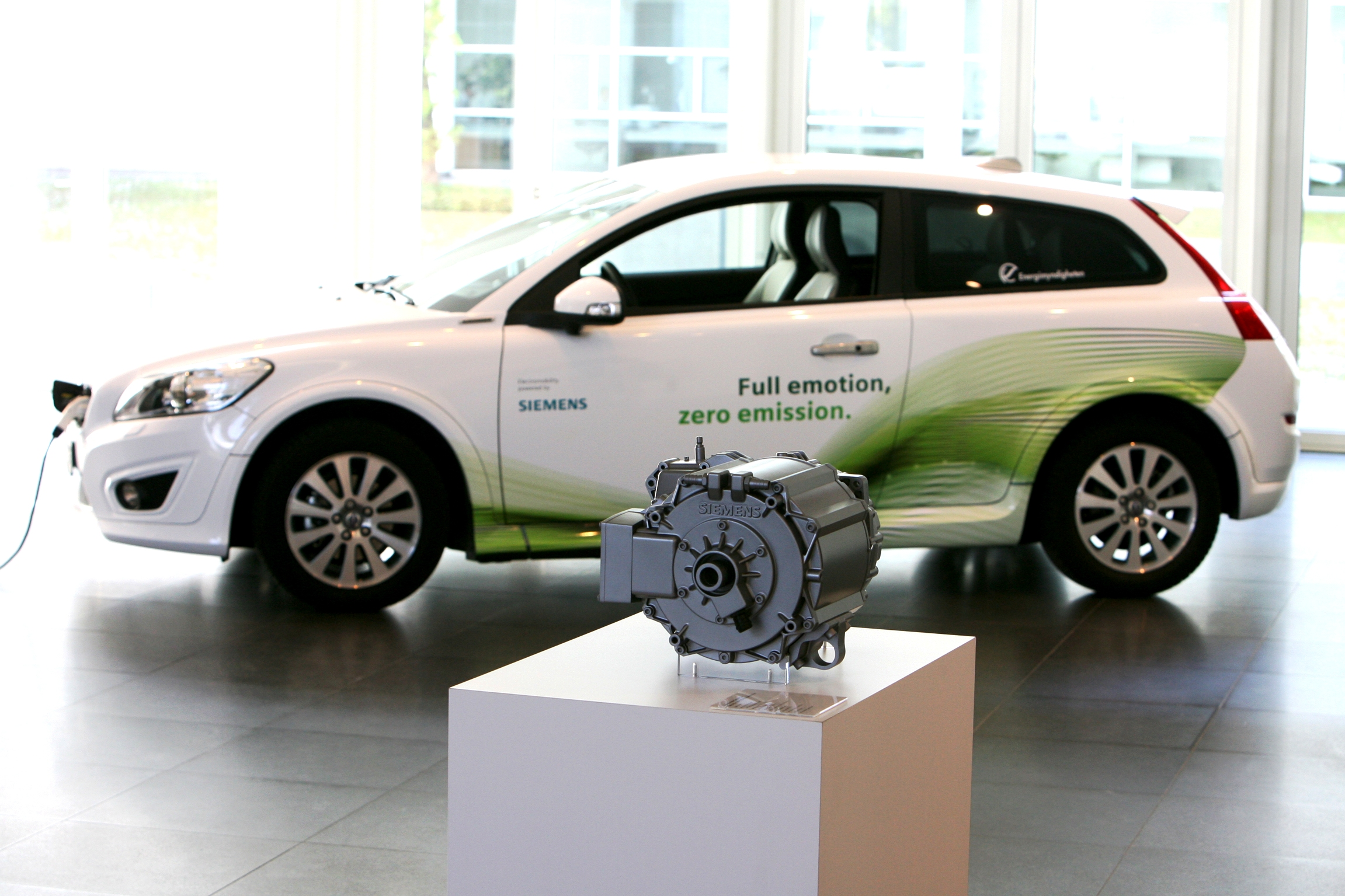 the electric vehicle good or bad essay Advantages and disadvantages of electric cars: an electric car is a great way for  you  they are even better than hybrid cars as hybrids running on gas produce.