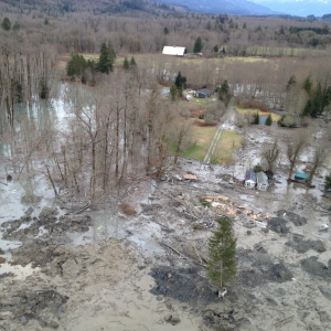 Oso_Mudslide_22_March_2014_Aerial_view300