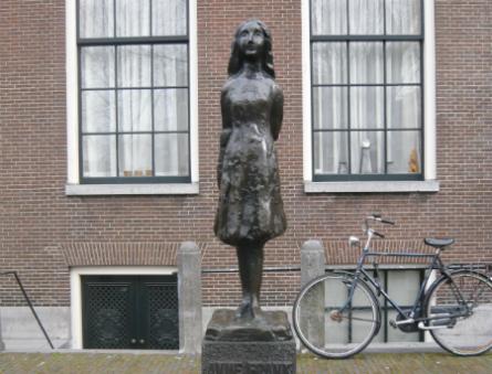 Anne_Frank_2