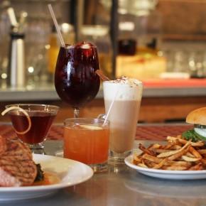 drinks_and_food_on_bar