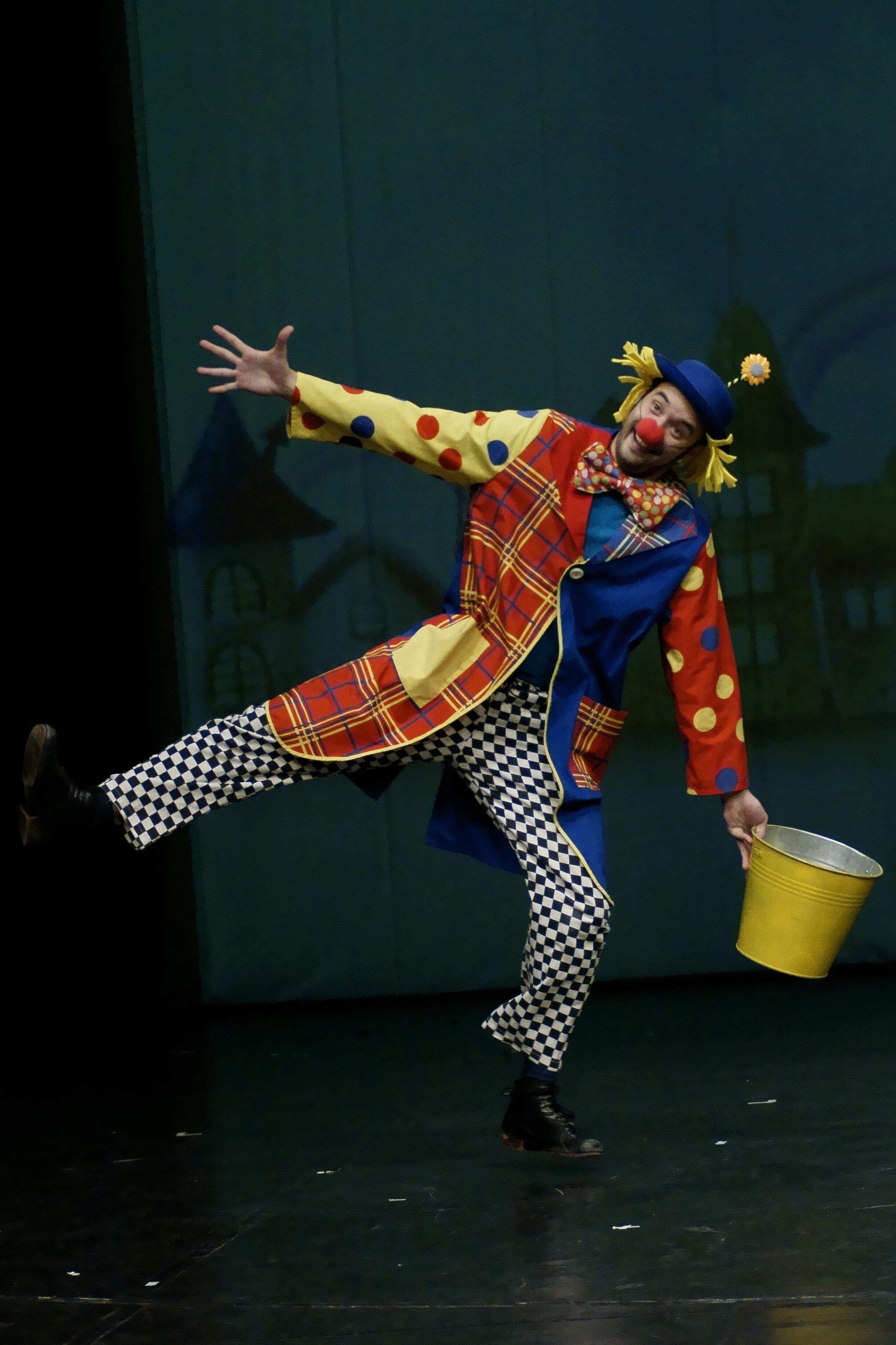 Circus_Monday9